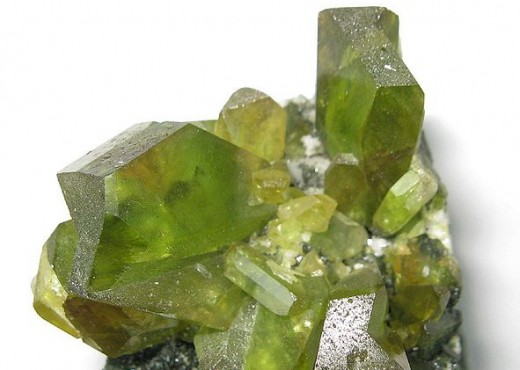 Description: Green crystals of sphene